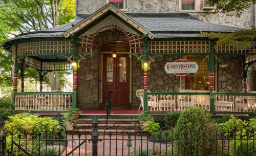 Hotel Cornerstone Bed & Breakfast