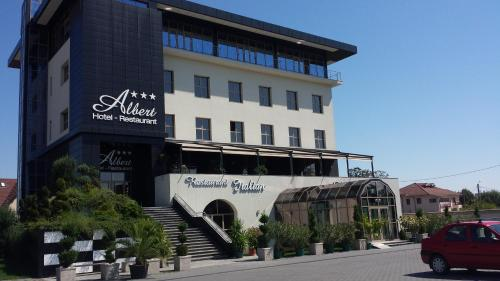 . Albert Hotel