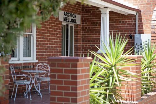 Фото отеля Arch on Mellool