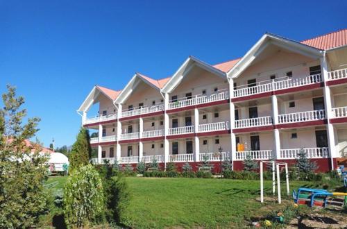. Aquamarine Inn