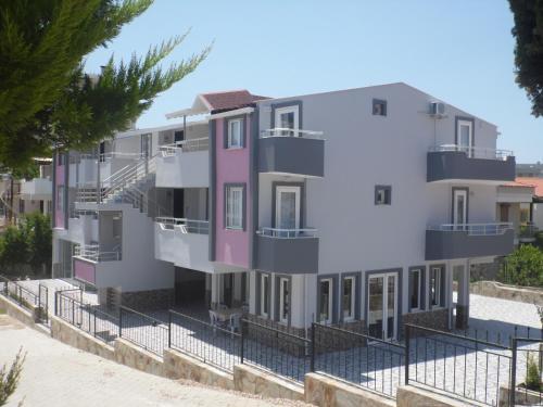 Kusadası Kadınlar Denizi Tatil Evleri online rezervasyon