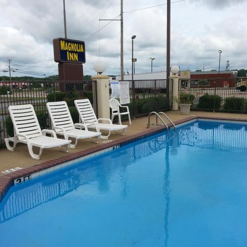 Magnolia Inn - Accommodation - Holly Springs