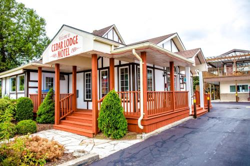 . Cedar Lodge Motel