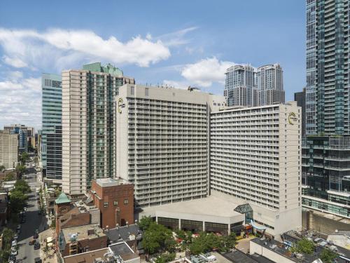 33 Gerrard Street West, M5G 1Z4 Toronto, Canada.