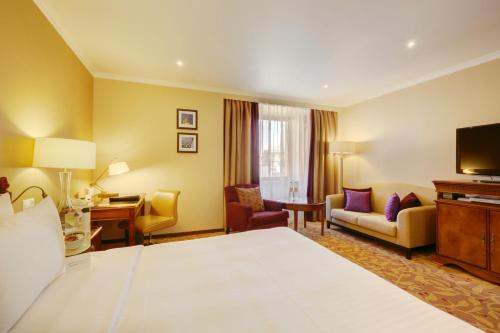 Moscow Marriott Royal Aurora Hotel - image 4