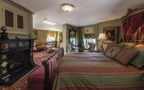 Empire Estate Guestroom