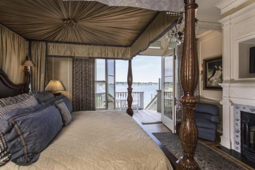 Martha's Vineyard Ocean Villa