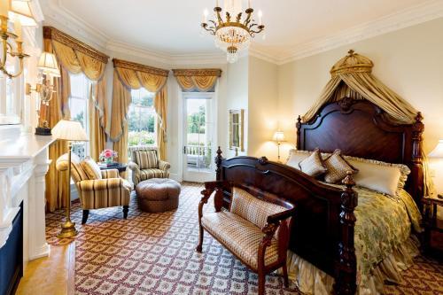Regency Signature Guest Room