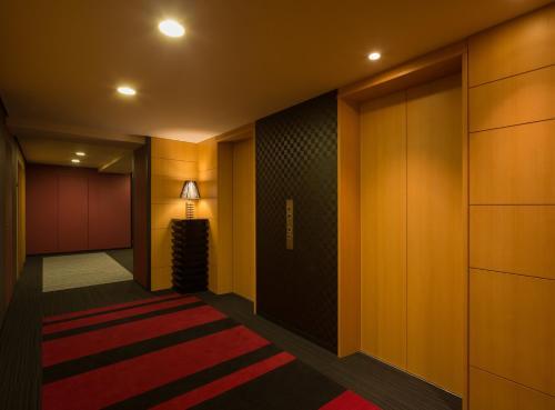 E Hotel Higashi Shinjuku photo 30