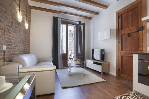 Tendency Apartments - Sagrada Familia impression