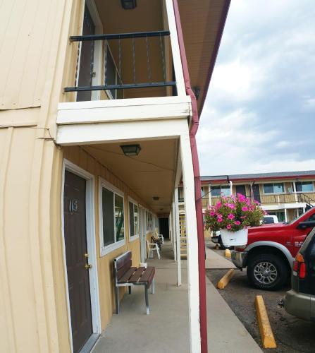 Western Motor Inn - Burlington, CO 80807