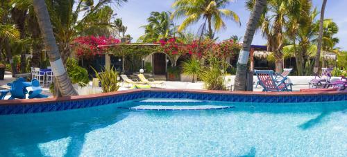 . Beach House Aruba Apartments