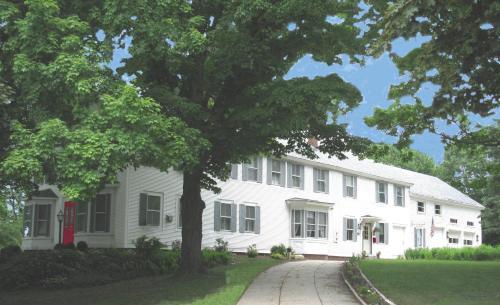 . The Bridges Inn at Whitcomb House B&B
