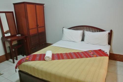 Dok Khaithong Hotel room photos