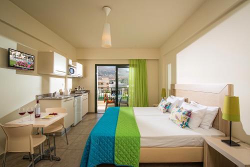 Kristalli Hotel Apartments фотографии номера