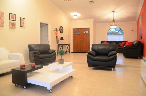 Dream Vacation House - Plantation, FL 33322