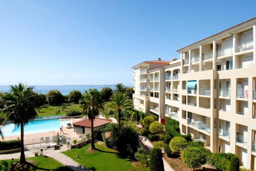Résidence Odalys Les Pins Bleus - Hôtel - Antibes