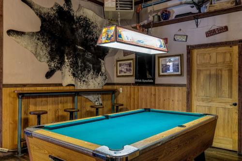 Hiway 40 Grill & Lodge - Hayden, CO 81639