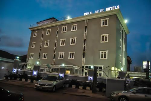 Royal Jatoz Hotels