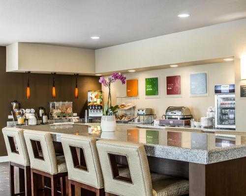Comfort Suites Woodland - Sacramento Airport - Woodland, CA 95776