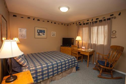 Midnight Sun Inn - Bed & Breakfast - Photo 5 of 31