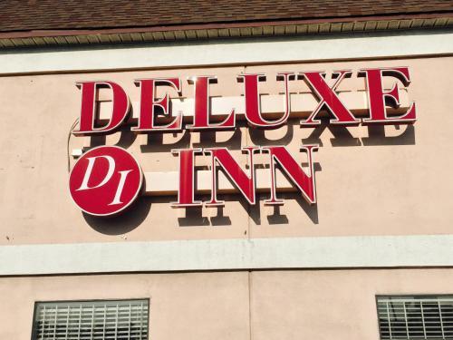 Deluxe Inn - West Memphis, AR 72301