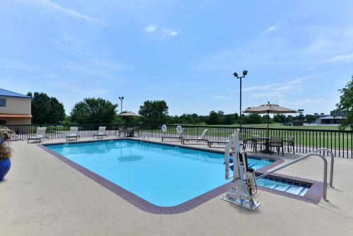Boarders Inn And Suites By Cobblestone Hotels   Ardmore