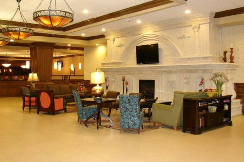 Decatur Conference Center And Hotel - Decatur, IL 62522