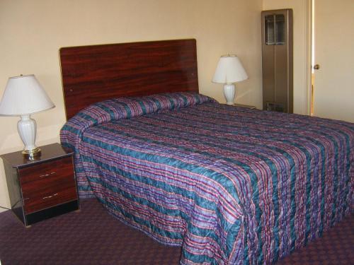 Sky Ranch Inn - West Sacramento, CA 95691