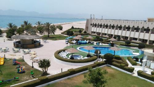 Golden Tulip Resort Dibba rom bilder