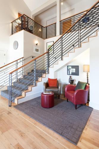Hanford House Inn - Sutter Creek, CA 95685