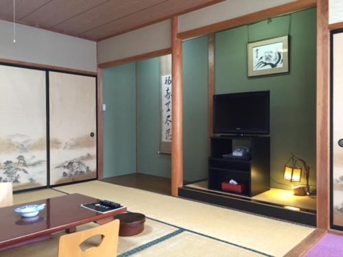 Japanese-Style Superior Family Room
