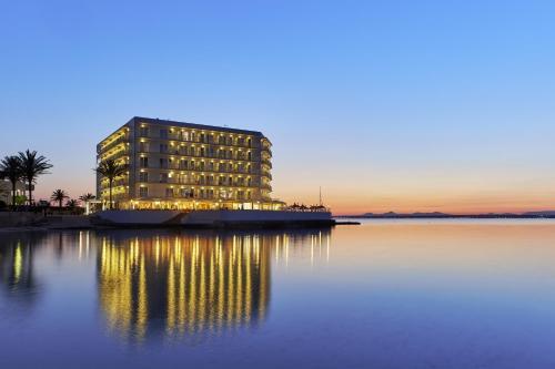 Photo - Universal Hotel Marqués