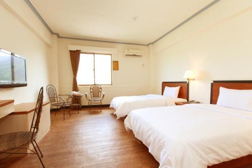 Yawan Hotel стая снимки