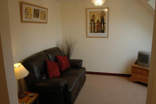 Dunhallin House - Accommodation - Inverness