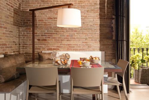 Enjoybcn Miro Apartments photo 3