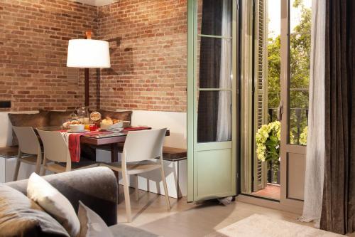 Enjoybcn Miro Apartments photo 5