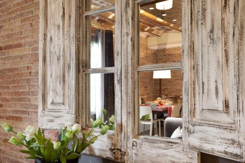 Enjoybcn Miro Apartments photo 8