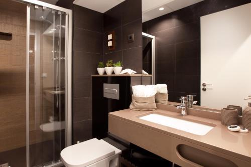 Enjoybcn Miro Apartments photo 10