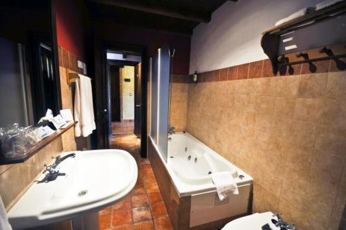 Double Room with Hydromassage Coto del Valle de Cazorla 33