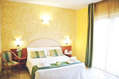 Double or Twin Room with Balcony (1 Adult)