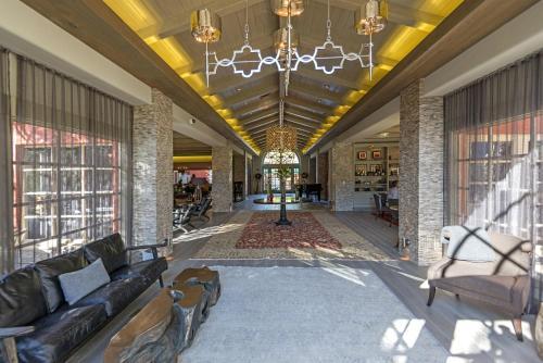 415 W Carmel Valley Rd, Carmel Valley, CA 93924, USA.