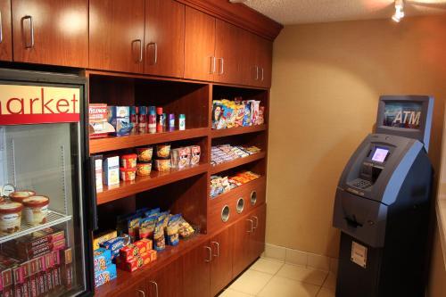 Doral Inn & Suites Miami Airport West - Miami, FL 33126