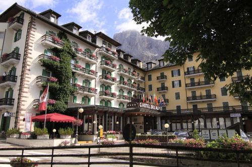 G. Hotel Des Alpes (Classic sice 1912) San Martino di Castrozza