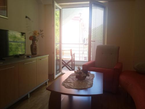 Gjole Apartments,