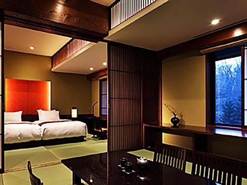 Junior Premier Suite