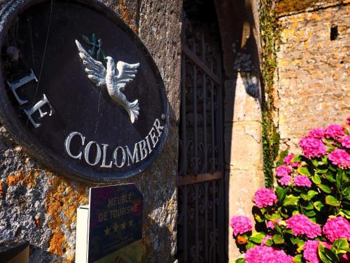. Chateau Le Colombier