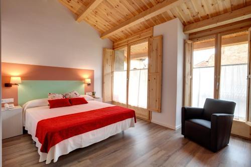 Habitación Doble Deluxe con bañera Hotel La Freixera 2
