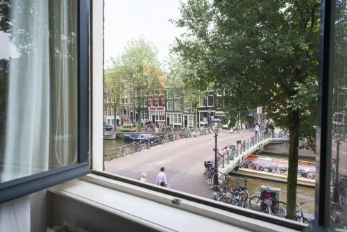 Herengracht Canal Apartment photo 5
