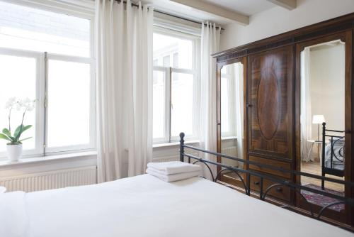 Herengracht Canal Apartment photo 6